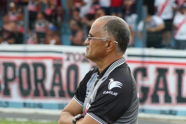 River demite técnico Oliveira Canindé após goleada do Fluminense na Copa do Brasil