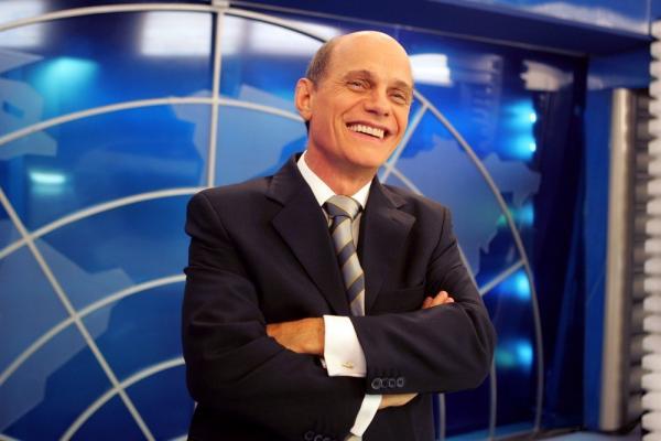 Jornalista Ricardo Boechat morre aos 66 anos em queda de helicóptero em SP