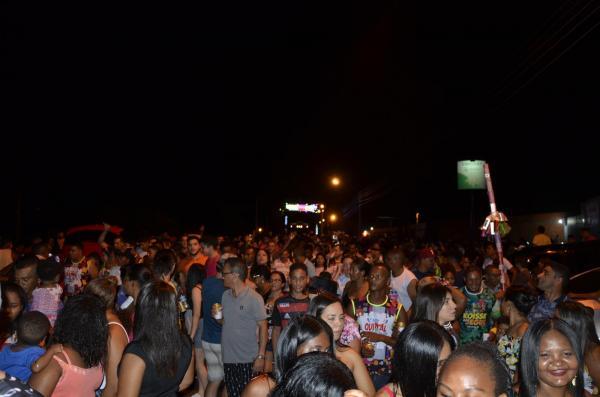 Chiclete com Banana arrasta multidão no 'Zé Pereira' de Amarante; veja imagens