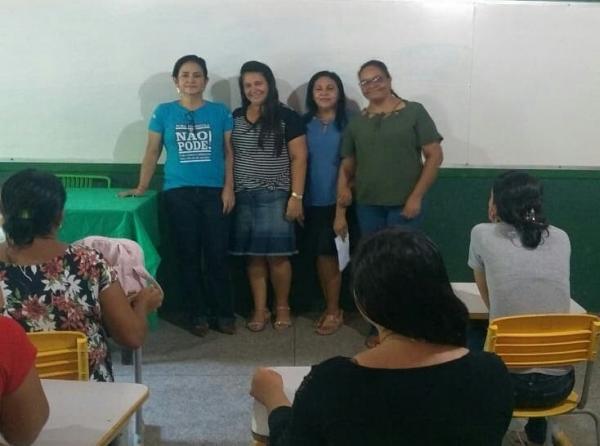 Educação de Água Branca realiza reunião com pais de crianças com necessidades especiais