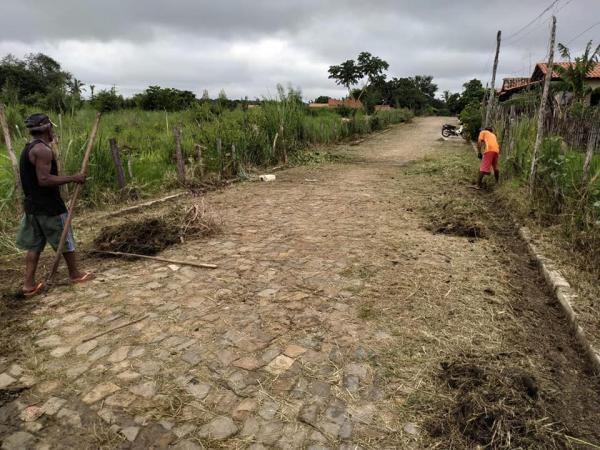 Prefeitura de Angical do Piauí realiza mutirão de limpeza em ruas da cidade