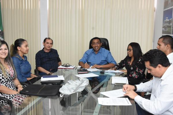 Prefeito Joel Rodrigues se reúne com CEPISA Equatorial em Floriano