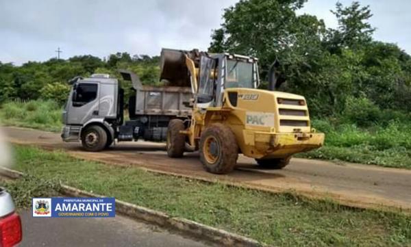 Prefeitura Municipal de Amarante na limpeza pública no município; veja