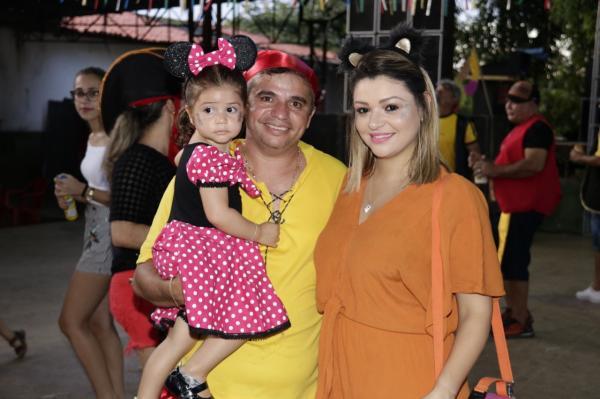Antonio Carlos juntamente com a esposa e filha