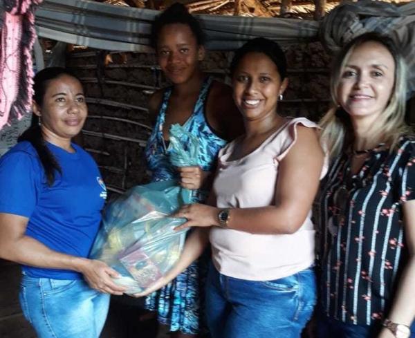 Prefeitura de Amarante entrega cestas básicas a famílias em vulnerabilidade social