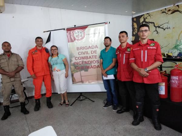 Corpo de Bombeiros de Picos ministra a primeira palestra do ano