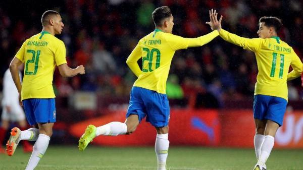 De virada, Brasil vence a República Tcheca com um gol de Firmino e dois de Gabriel Jesus