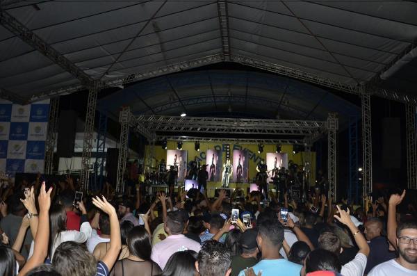 Show no aniversário de 55 anos de São Gonçalo do Piauí (Imagem: Valdomiro Gomes/CANAL 121)