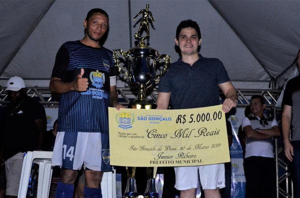 Boca Júnior vence Baixinha e é campeão são-gonçalense de futebol; veja imagens