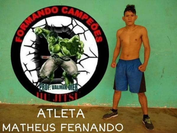 Lutador de 20 anos morre após ser nocauteado em evento de MMA em Manaus