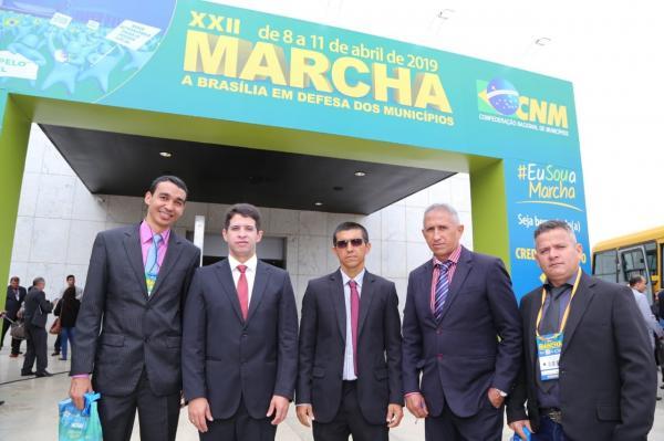 Vereadores e secretário de Finanças de Hugo Napoleão participam da XXII Marcha a Brasília em Defesa dos Municípios