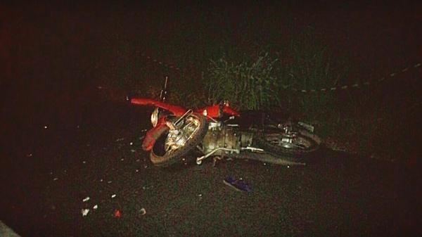 Imagens feitas no local do acidente (Por Valdomiro Gomes/Canal 121)
