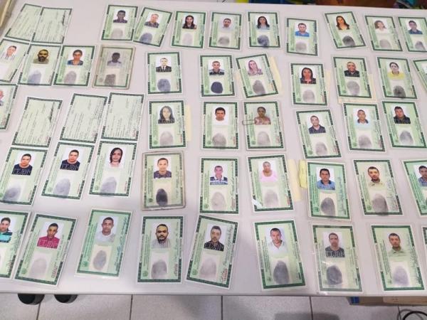Pai e filho são presos acusados de falsificar documentos em Teresina