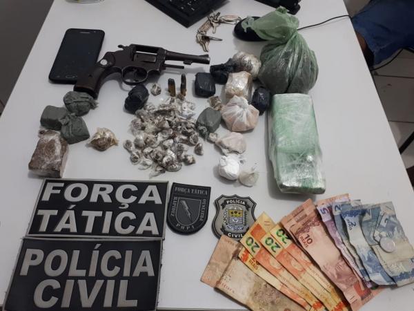 Material apreendido (Imagem: Divulgação PM)