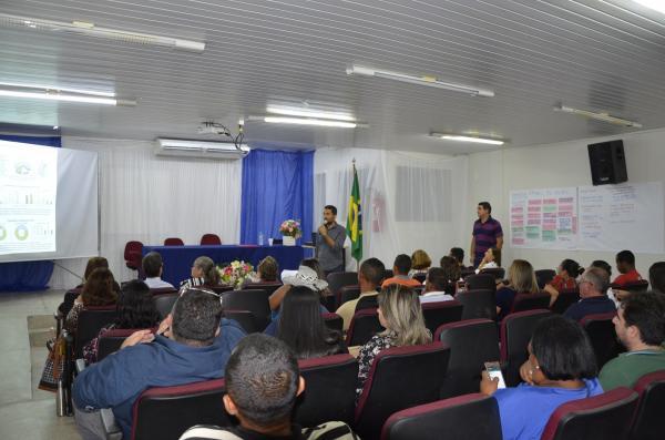 Seminário sobre a oferta de alimentos da agricultura familiar para a alimentação escolar (Imagem: Valdomiro Gomes/CANAL 121)
