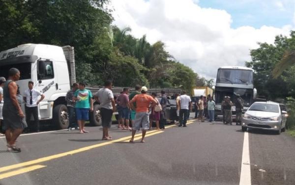 Acidente na BR 316 envolve ônibus de passageiros e mais dois veículos entre Monsenhor Gil e Lagoa do Piauí