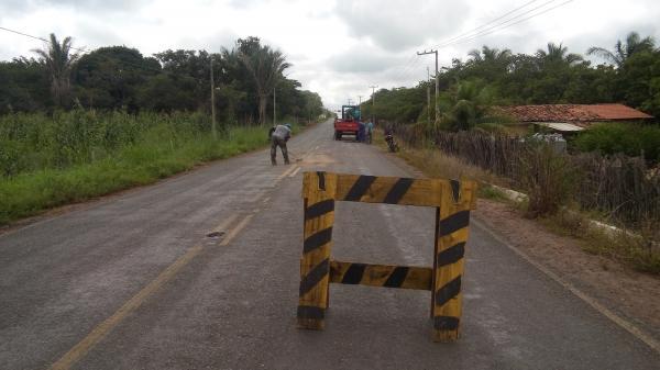 Recuperação da rodovia Higino Viana em São Pedro do Piauí (Imagem: Irã Batista e Auzenir Rosa)