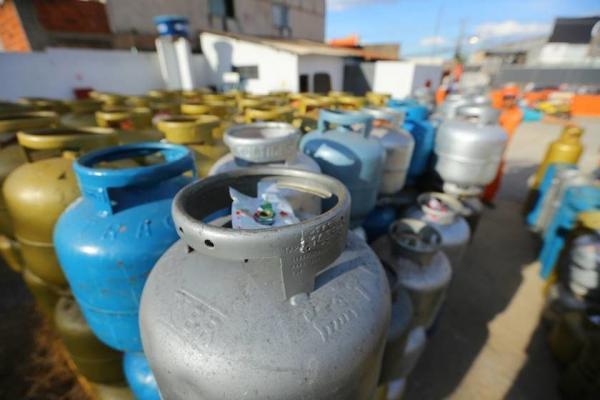 Preço do botijão de gás vai subir a partir deste domingo