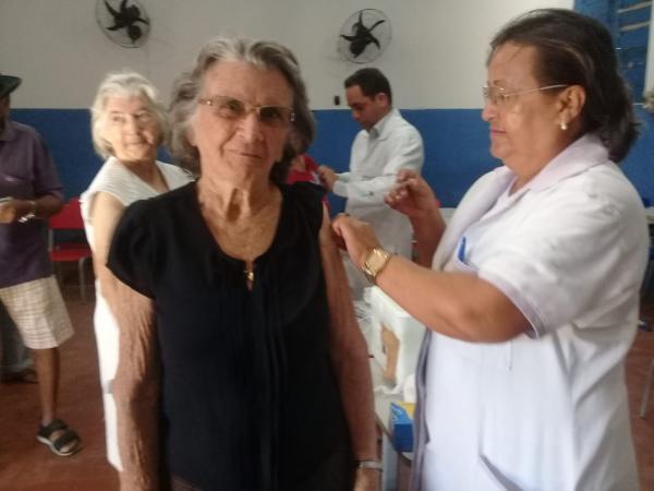 Saúde de Angical do Piauí realiza do D da campanha de vacinação contra gripe