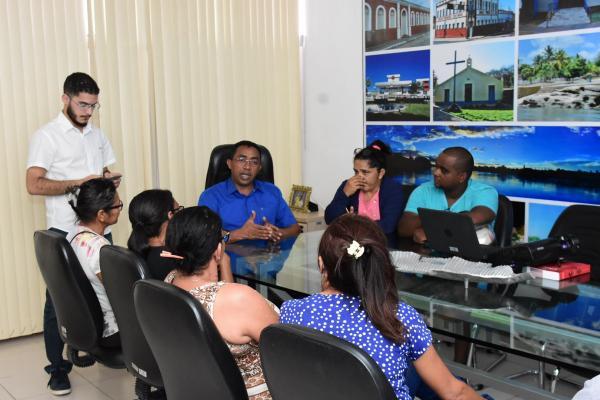 PMF realiza reunião com vendedores ambulantes