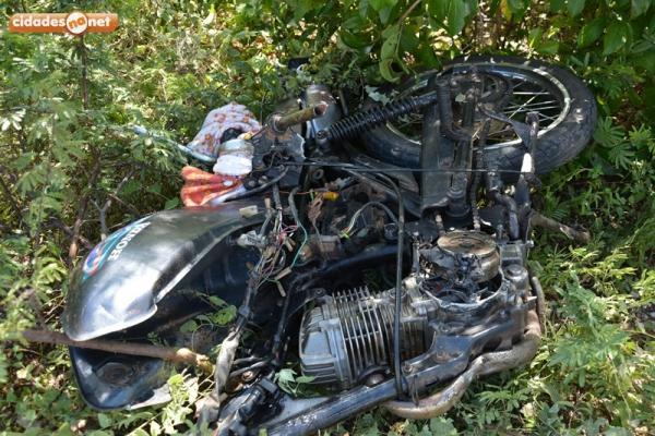 Homem morre em colisão de moto e caminhão no interior do Piauí