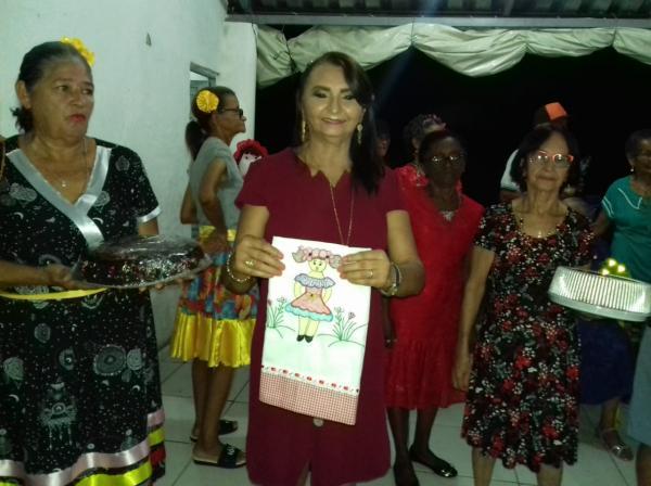 Prefeitura de Angical do Piauí promove 'Baile Aloha - Valorizando a Beleza da Pessoa Idosa'