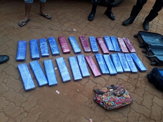 Mulher é presa com 26 tabletes de maconha em Terminal Rodoviário de Picos