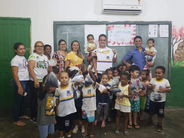 Prefeitura de Amarante realiza aentrega de Fardamento Escolar nas instituições de ensino