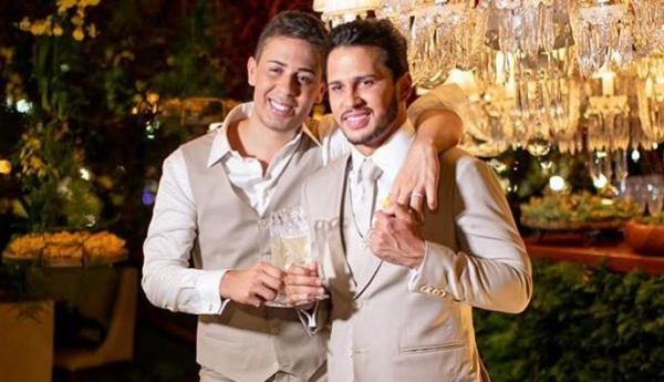 Carlinhos Maia diz por que não beijou Lucas Guimarães em casamento