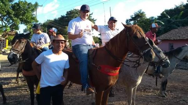 Tradicional Cavalgada do Vale do Canindé município de Amarante é realizada com sucesso; imagens