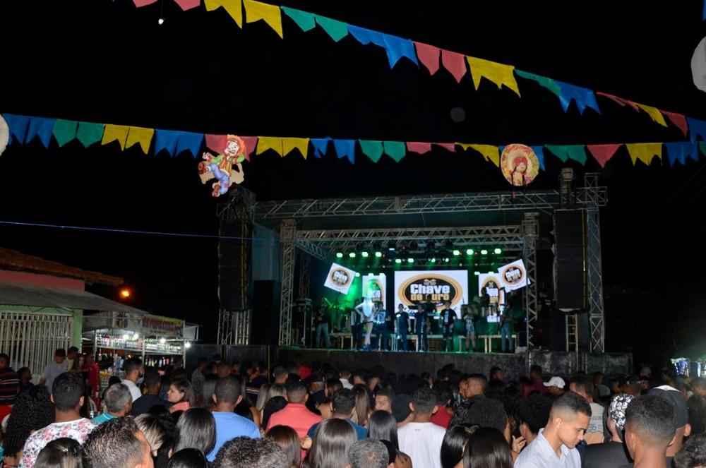 Show reúne grande multidão e marca o encerramento do festejo de Santo Antônio dos Milagres; veja imagens