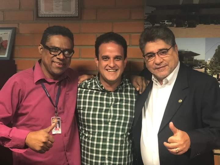 Vereador Honorato, ao lado do prefeito Diego Teixeira e do deputado João Madson (Imagem: Divulgação)