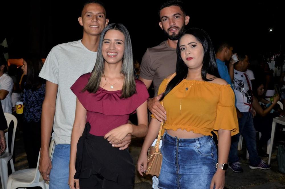 Matheus Fernandes, Toda Boa e Marquinhos do Pará animam os Festejos de Barro Duro; imagens