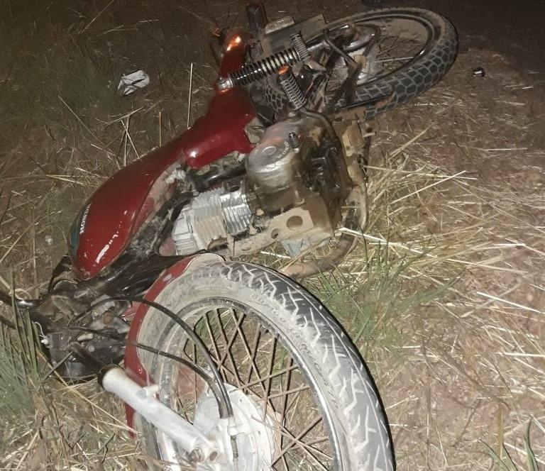 Motocicleta envolvida no acidente (Imagem: Divulgação PM)