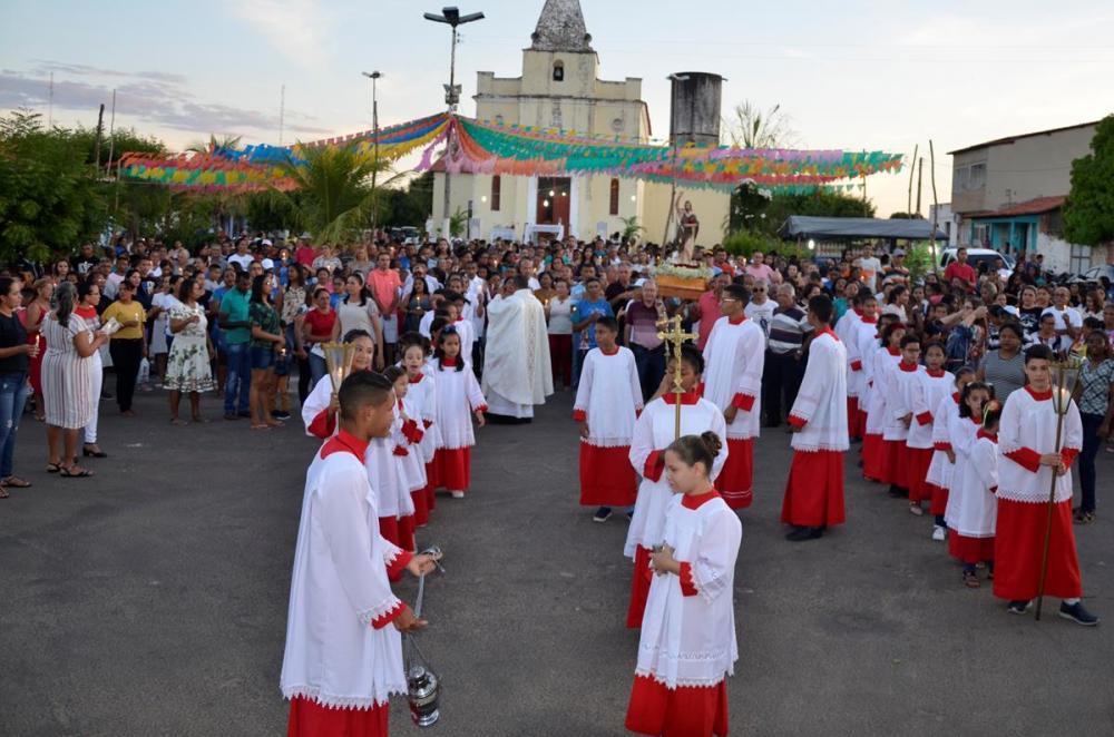 Procissão de encerramento do Festejo de São João Batista, em Barro Duro (Imagem: Valdomiro Gomes/CANAL 121)