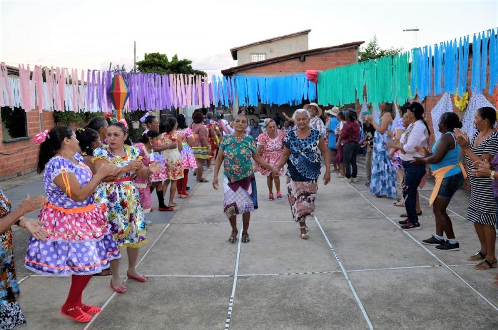 Apresentação de quadrilha (Imagem: Valdomiro Gomes/CANAL 121)
