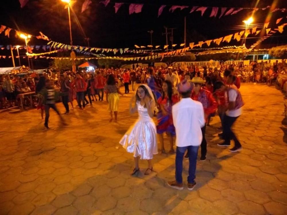 Festa junina da Unidade Escolar Mariano Rabêlo
