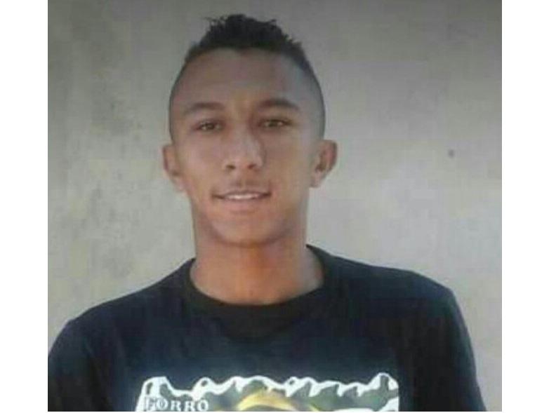 Regenerense morre após sofrer ataque convulsivo durante partida de futsal em Arraial