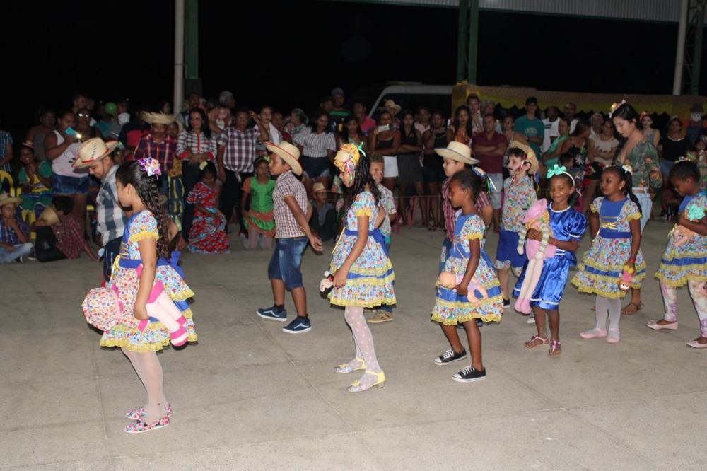 Prefeitura de São Gonçalo do Piauí realiza Festa Junina com Escolas da Zona Rural; imagens