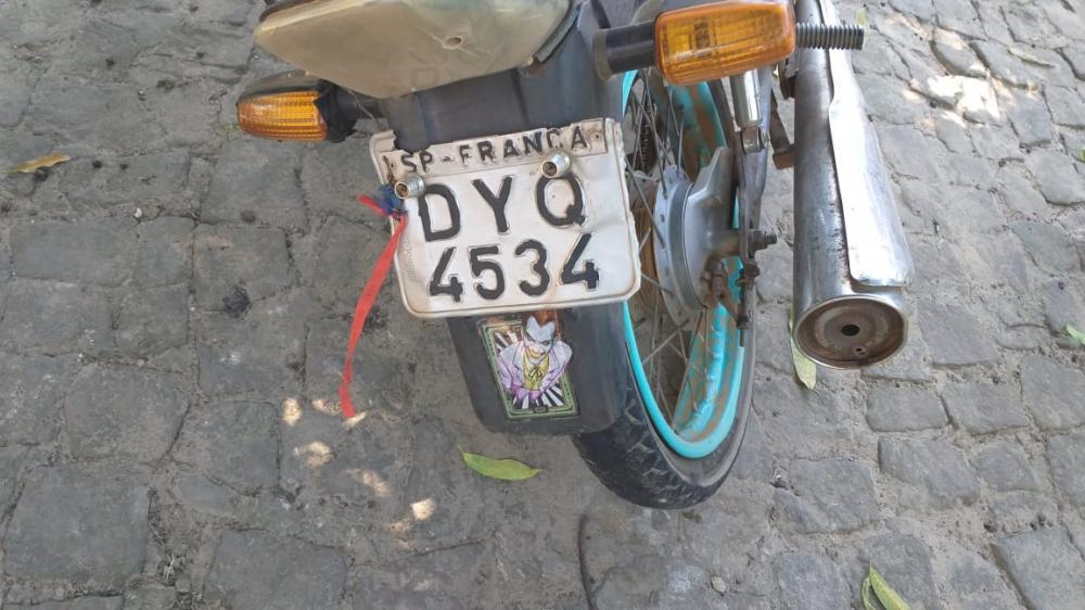 Moto utilizada pelos criminosos (Imagem: Divulgação PM)