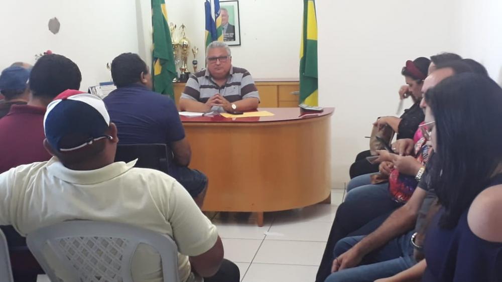 A reunião aconteceu no gabinete do prefeito (Imagem: Divulgação Ascom)