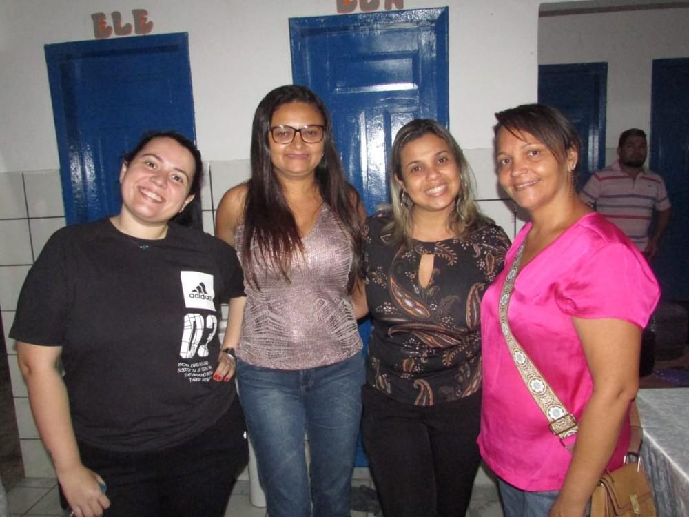Prefeito de Lagoinha do Piauí, Dr. Alcione, participa de festa com os idosos do Serviço de Convivência; imagens