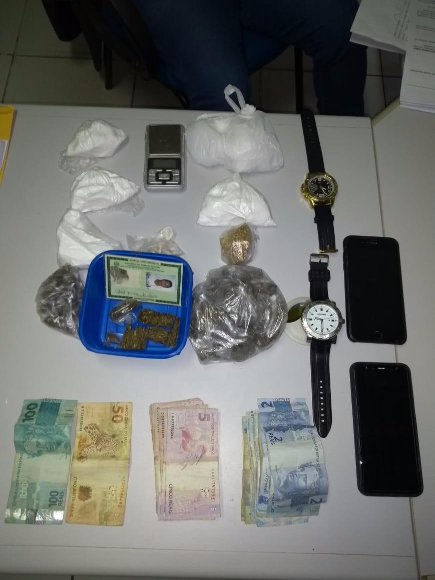 Polícia prende homem por tráfico de drogas usando tornozeleira eletrônica em Oeiras