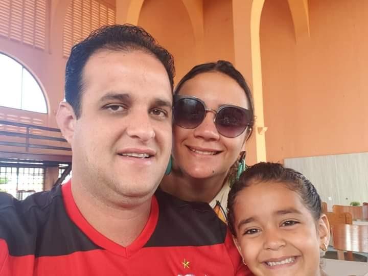 Prefeito Diego Teixeira e Ana Tércia deixam suas mensagens aos Pais amarantinos