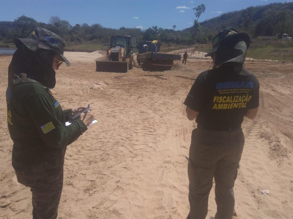 Fiscais da Secretaria Estadual de Meio Ambiente (Imagem: Divulgação/SEMAR)