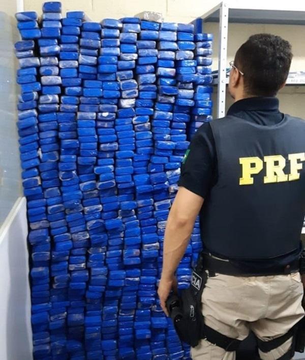 Droga apreendida (Foto: Divulgação/PRF)