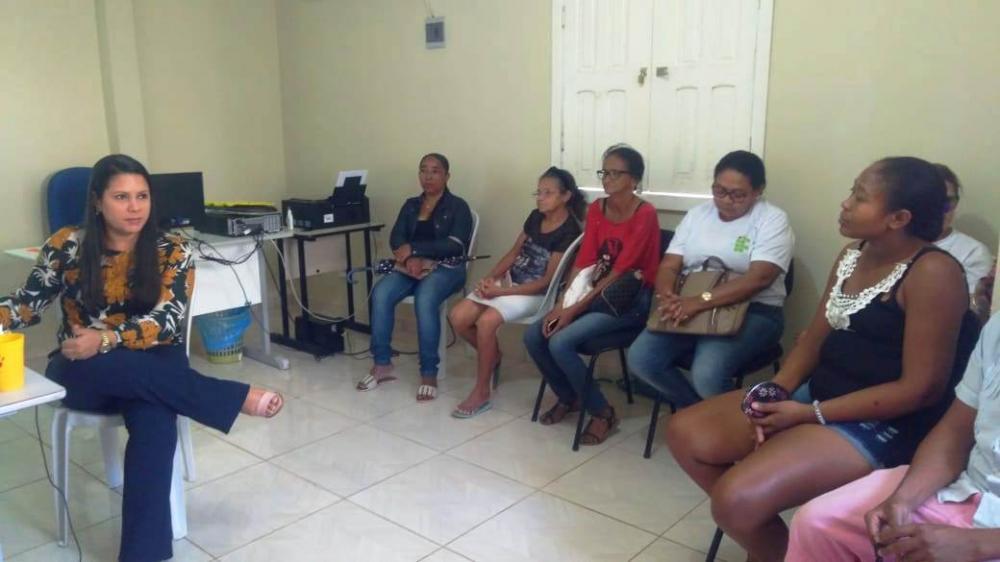 CRAS de Barro Duro realiza palestra sobre cuidado com idosos
