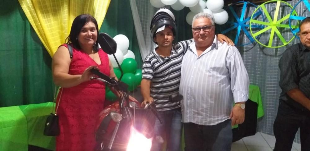 Lagoinha do Piauí | Prefeitura realiza confraternização em homenagem aos pais