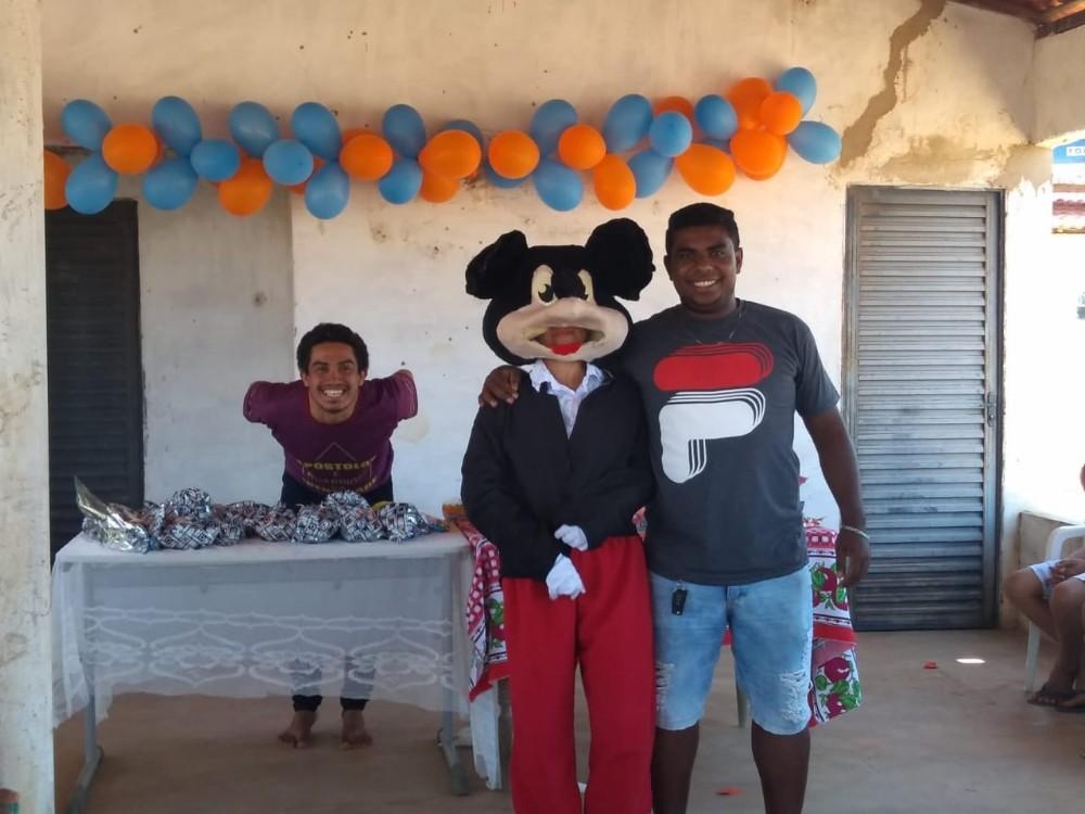 Valença | Dia da criança solidário no assentamento Arizona II