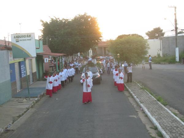 Paróquia de Fátima realizou procissão de encerramento da festa de N. Sra. de Fátima em Agricolândia